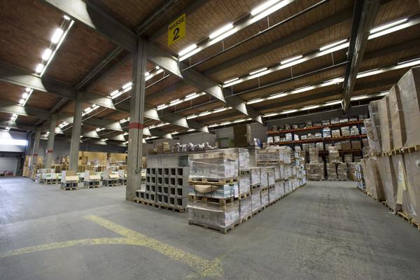 Eclairage exterieur et interieur sermes lamdalux for Eclairage industriel exterieur
